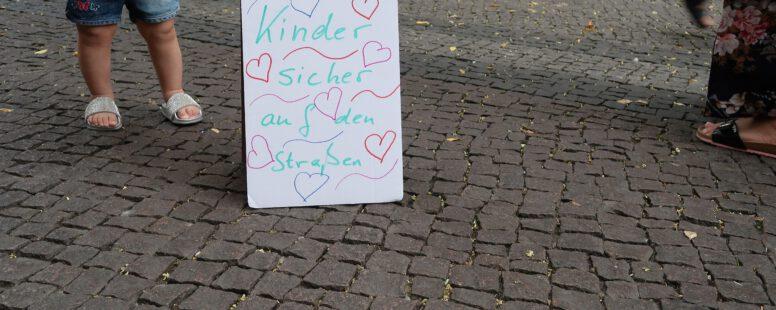 Für eine andere Nutzung: Nachbarschaftsdemo in der Steinmetzstraße